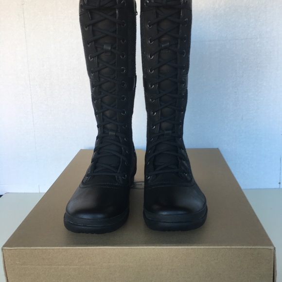 5400f62f25a New UGG Women Elvia Boots. NWT
